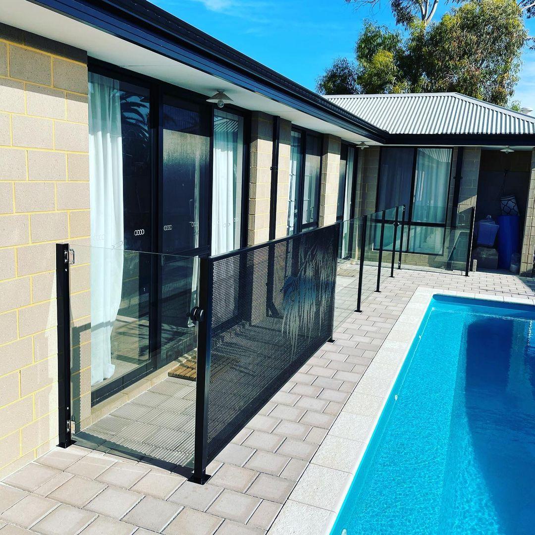 Pool perf - perfsafe - pool fencing - jccontemporaryfencing - Western Australia (2)