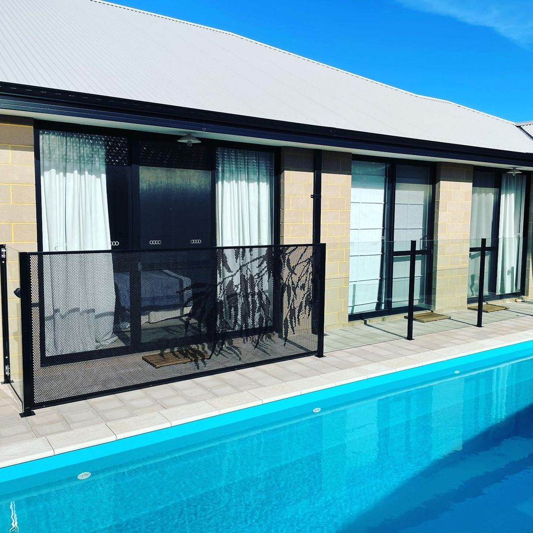 Pool perf - perfsafe - pool fencing - jccontemporaryfencing - Western Australia