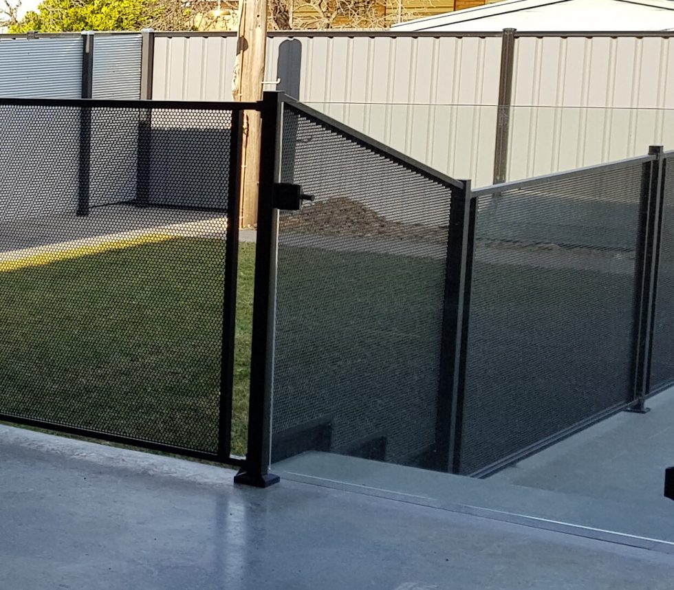 Pure Perf-Text Black-Pool Perf-Gap System-step tapered panel- AAA- Victoria