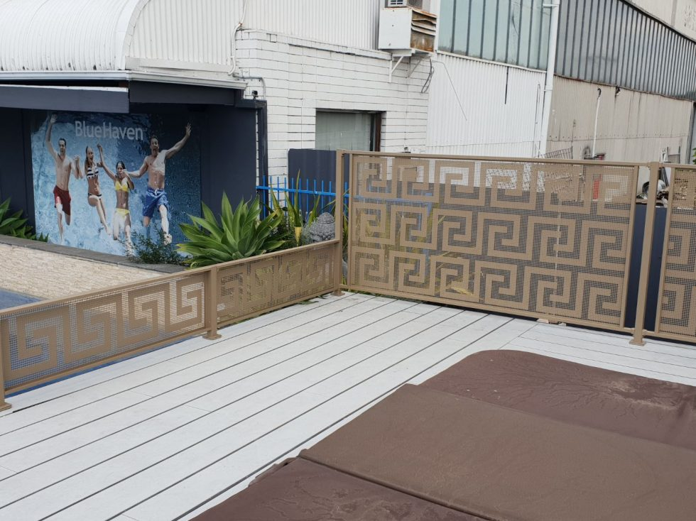 poolperf folded system golden touch -NSW - masterglass - bluehaven pools- poolfence