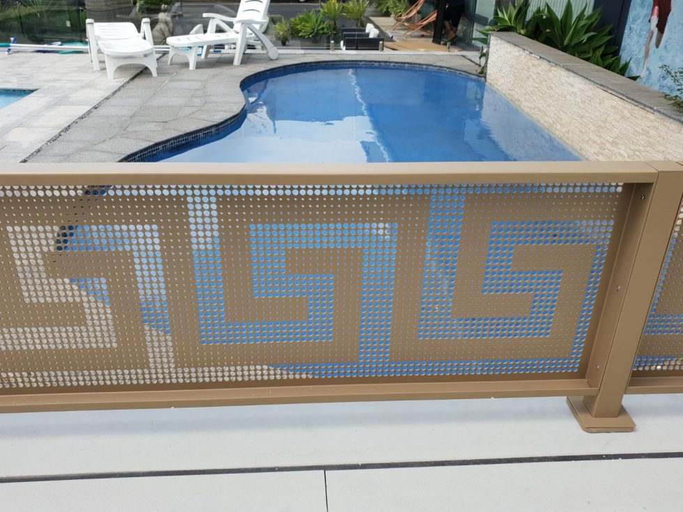 poolperf folded system golden touch NSW masterglass bluehaven pools - poolfence topper